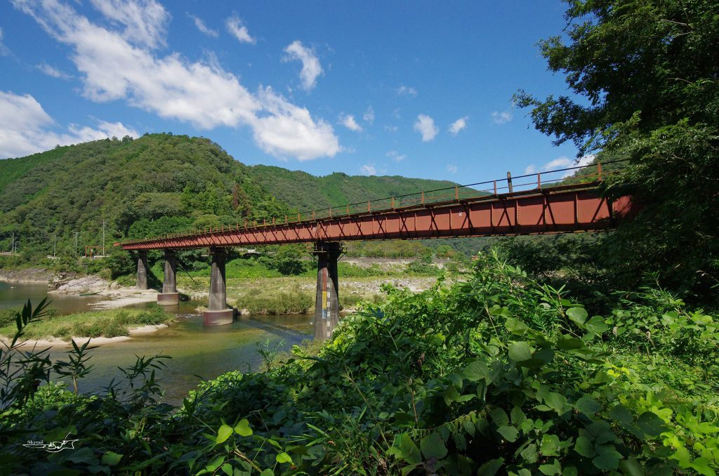 鉄橋のある風景