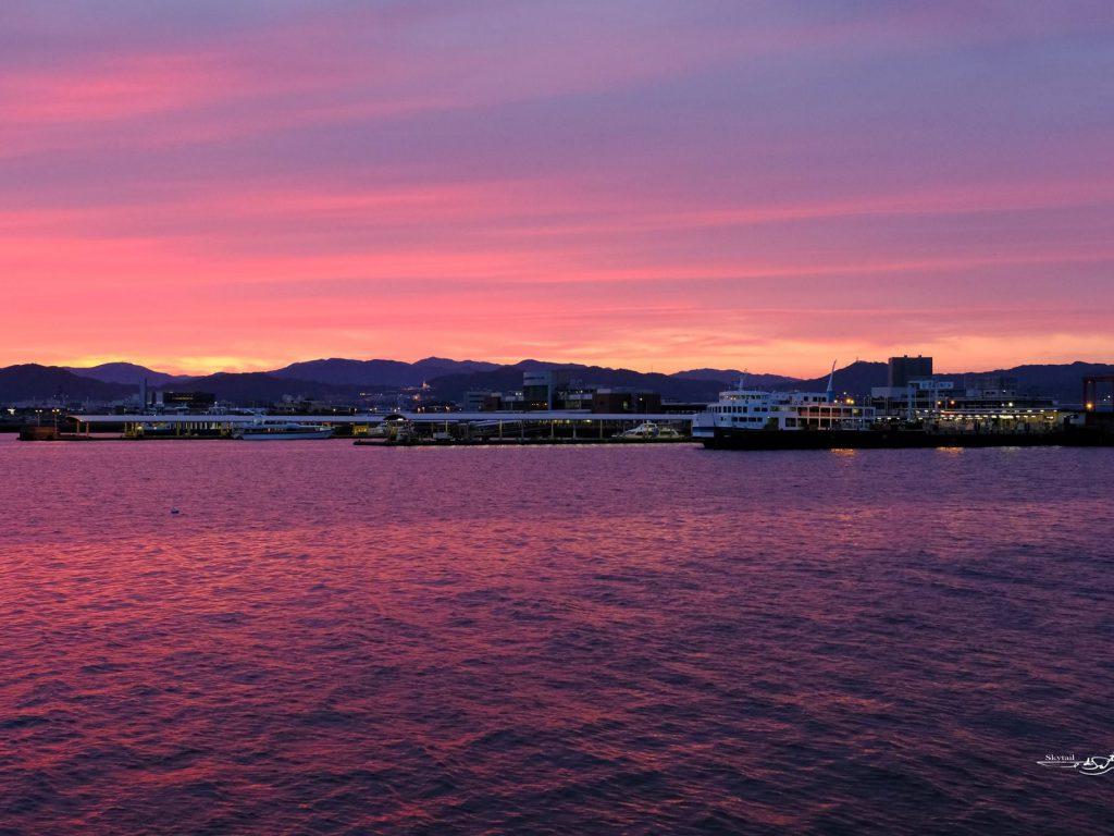 広島港夕景