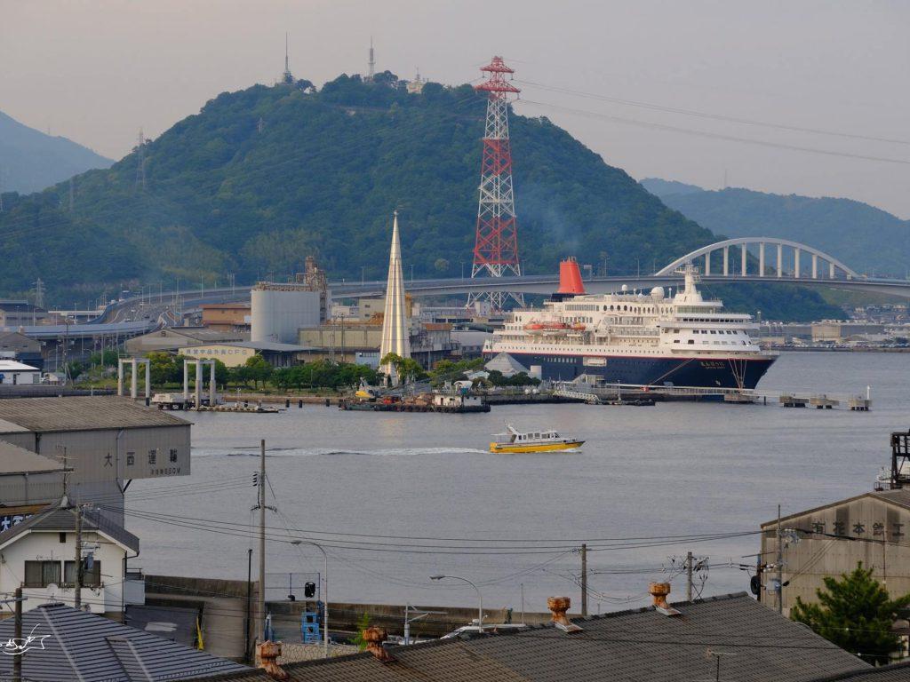 広島港1万tバース